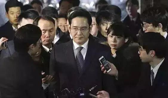 為了金錢親人皆可殺!兒子檢舉父親,父母逼死女兒,生在韓國三星是大幸還是大不幸?