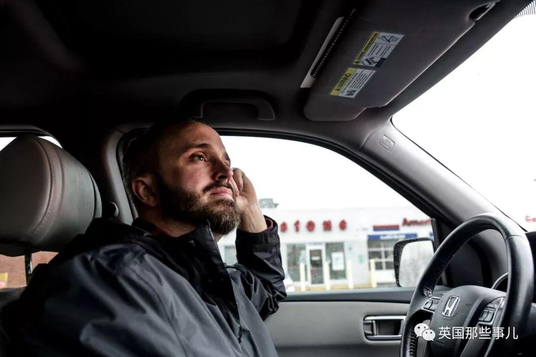 一個被搶哭的毒販,一個來歷不明的追蹤器,牽出美國史上最腐敗的一個警隊