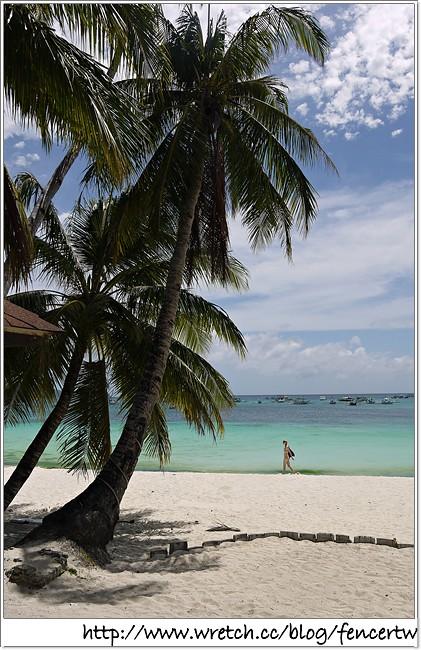 〔菲律賓〕長灘島之旅 - Day4:早餐→ 沙灘戲水 → YELLOW CAB Pizza → d*mall → Andok's 烤雞