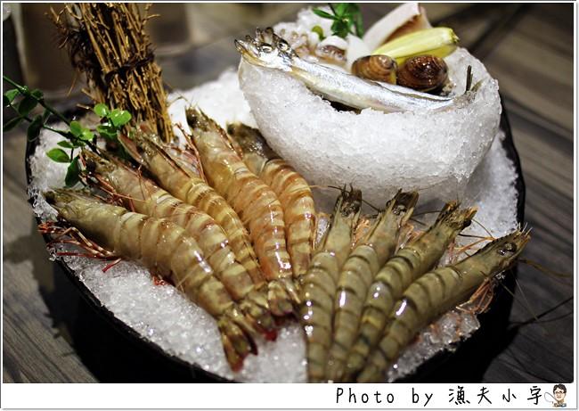〔台北〕好客酒吧燒烤 ─ 深海琥珀蝦真是太美味了~(內附優惠兌換券!)
