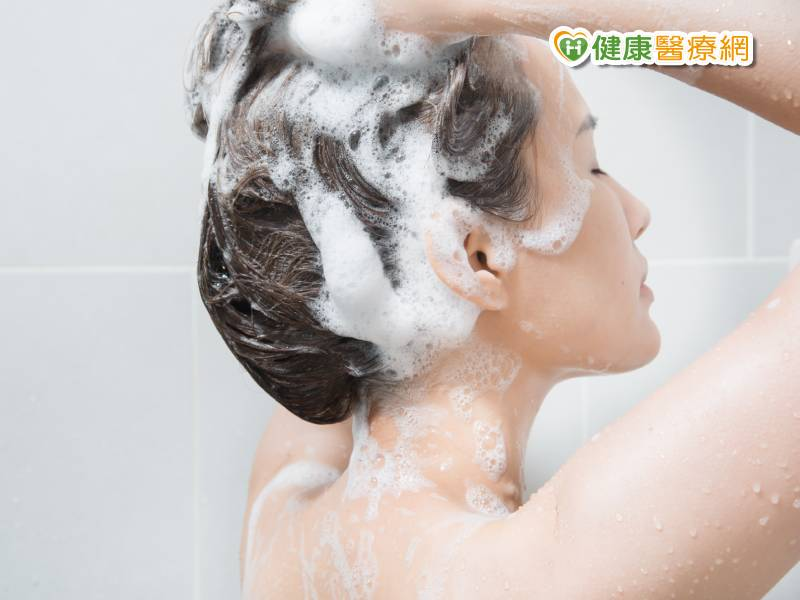 洗髮精含矽靈會傷髮? 護髮迷思大破解