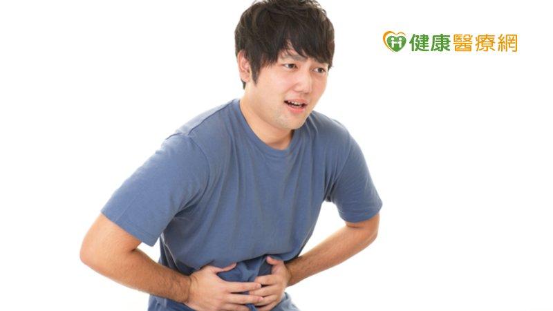 33歲男腹大如懷孕竟是腫瘤惹禍! 緊急開刀切除撿回一命