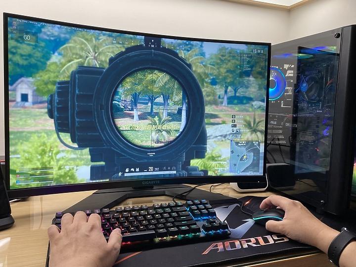 專為電競而生 GIGABYTE 技嘉 G32QC 2K HDR 曲面電競螢幕