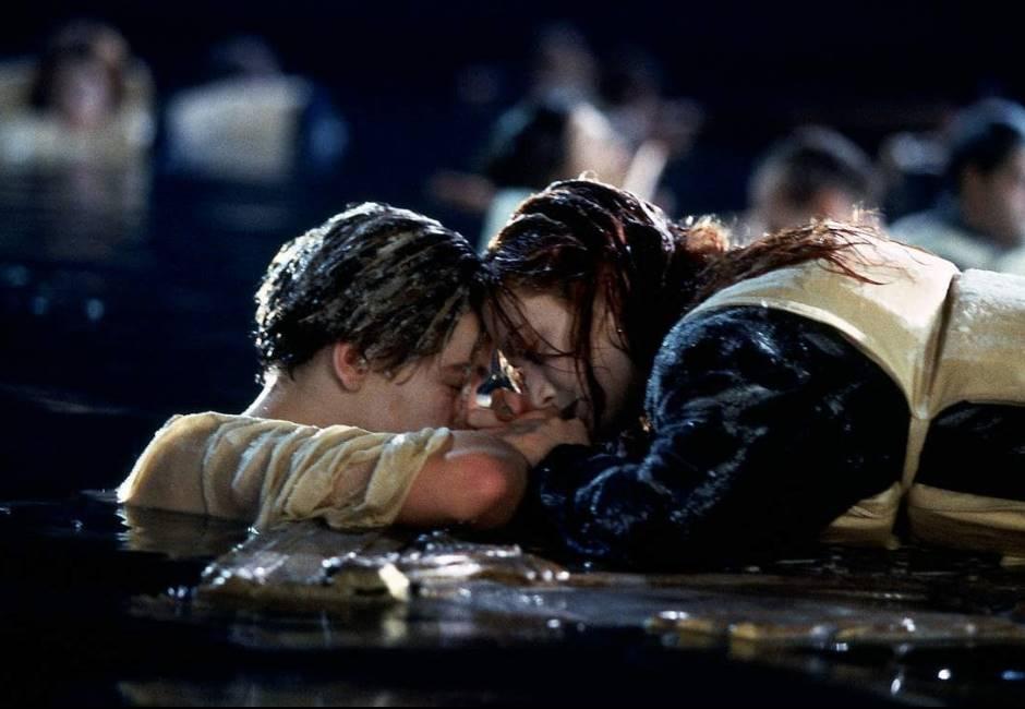 為何傑克不也上浮板?《鐵達尼號》20年懸案真相曝光