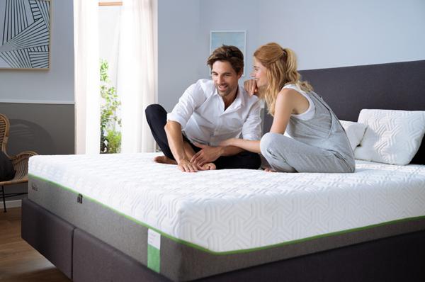 TEMPUR丹普 革新涼感技術FastCool全面升級 夏季輕盈好眠 全面8折起 購買指定床墊滿額最高再享8%回饋