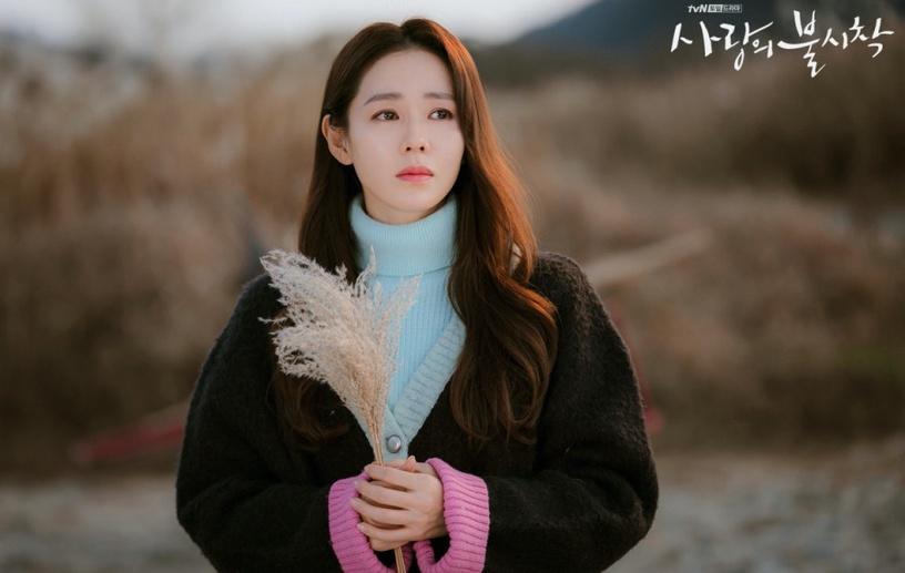 熱搜孫藝珍《愛的迫降》妝容!複製「世理妝」,2020韓國美妝趨勢原生眉、MLBB唇要知道