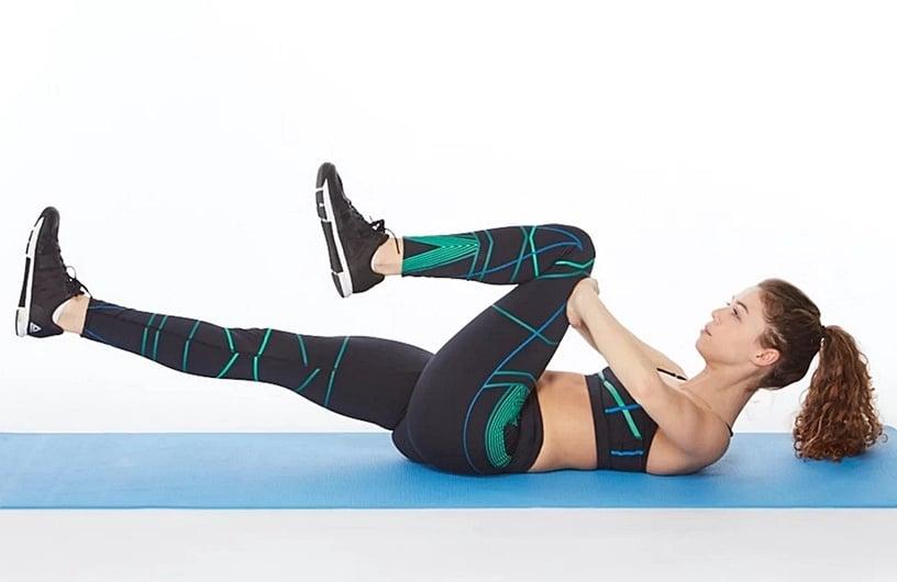 韓網超強「瘦下腹」運動!下腹游泳圈消失、矯正骨盆前傾,網友親試三週有感練出腹肌腺