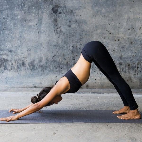 減肥伸展運動!教練5運動加速縮臀瘦腿,蘿蔔腿&梨形身材被改善,一個月多減3公斤!