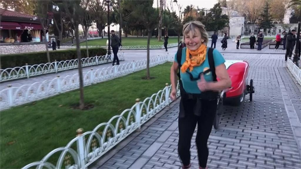 為慈善而跑!73歲女士一年多來從英國跑到尼泊爾