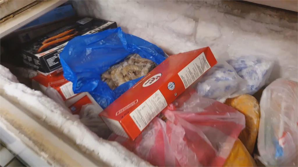 侵門踏戶偷冷凍蝦 見上鎖竟找鎖匠來開鎖