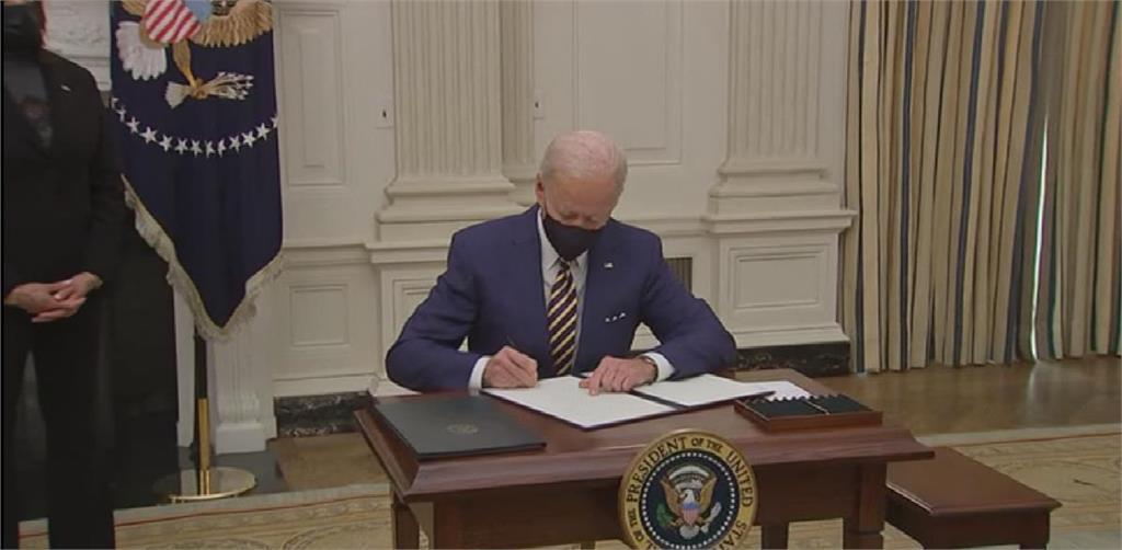 美國武肺死亡恐破60萬 拜登簽署行政命令救經濟