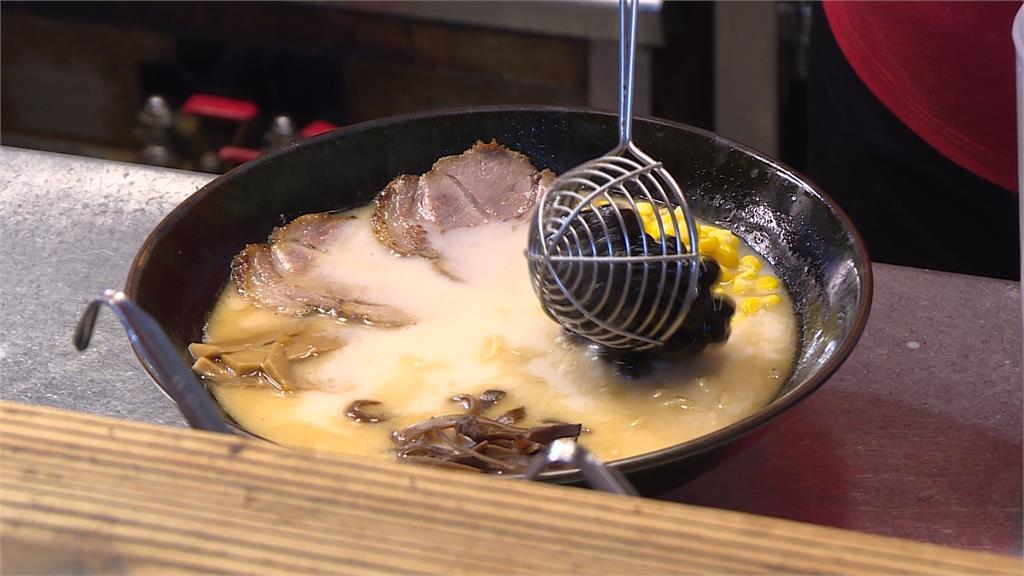 愛珍珠無極限!日本拉麵店推出珍奶拉麵、珍珠豬排