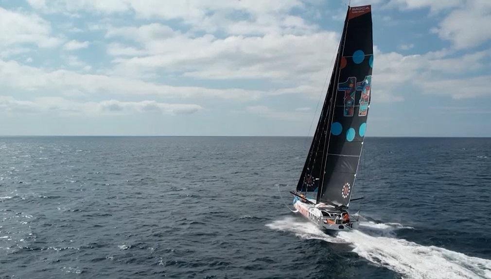 彩繪遊艇參加比賽 宣揚海洋保育