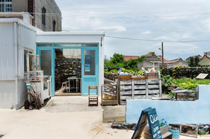 專說垃圾話的澎湖女孩 把海漂廢棄物變藝術
