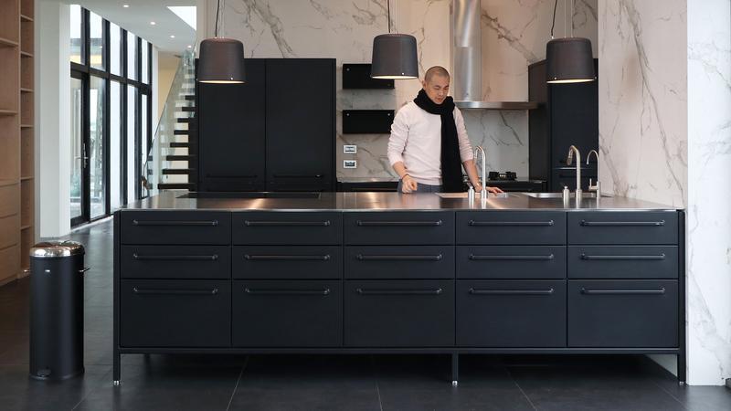來自丹麥的純黑鋼鐵廚房 收服名廚江振誠